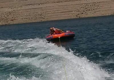 Bayliner Boat 5bTubing